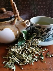 lemon leaf tea ANCHAN VEGETARIAN RESTAURANT VEGAN NAVICULA CHIANGMAI THAILAND
